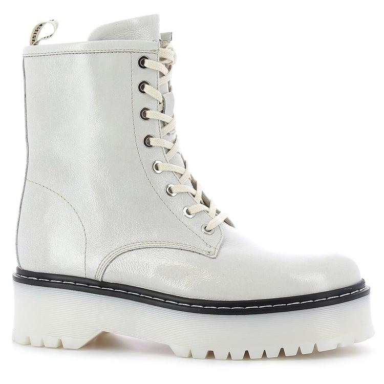 Białe botki na platformie CARINII--B7328-R45-000-000-E55