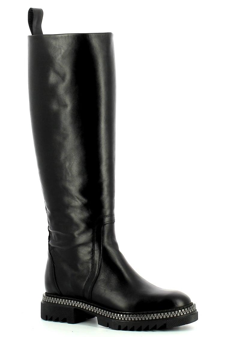 Czarne skórzane kozaki damskie na grubej podeszwie  CARINII--B7502-E50-000-000-E73