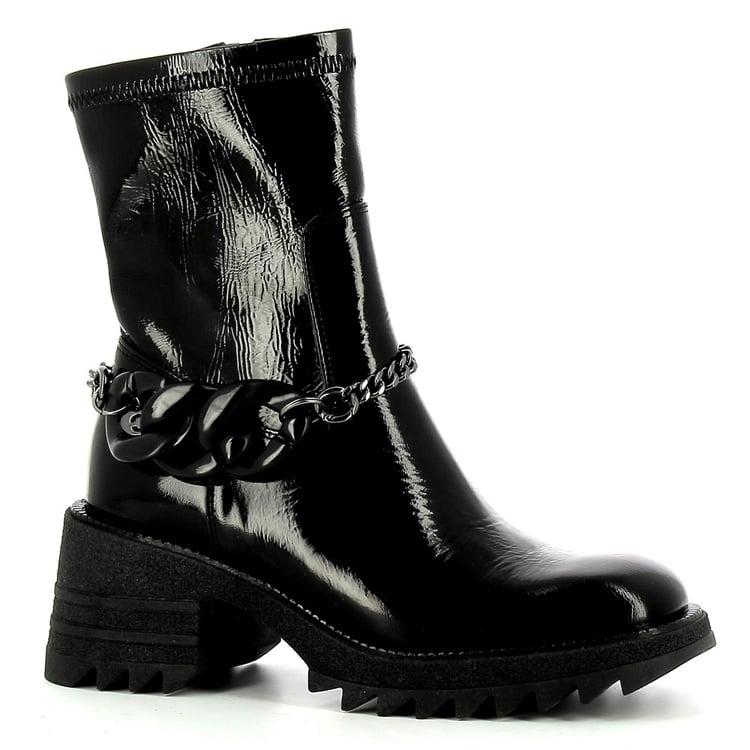 Czarne botki na platformie ze skóry lakierowanej CARINII--B7893-070-000-000-E59